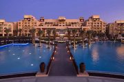 Abu-Dhabi-resort-piscina